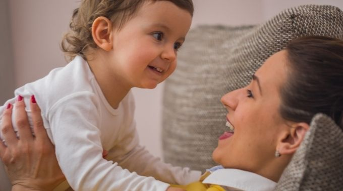 Ayudas para Madres Solteras y Mujeres Embarazadas